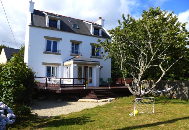 Charcuterie Surf House Bretagne France - surf accommodation