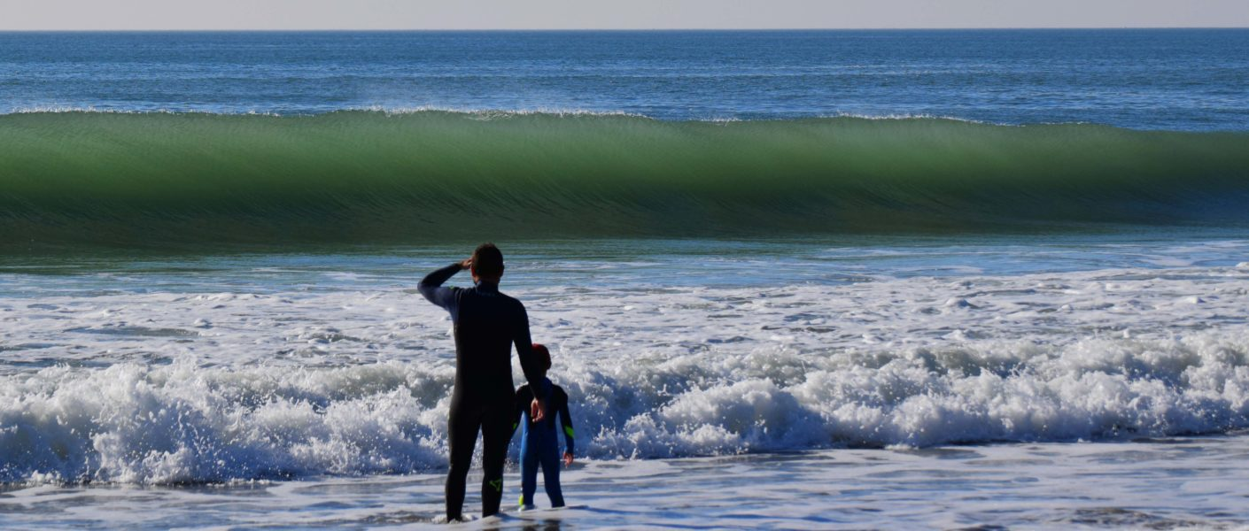 family-surf-holiday-france-bretagne